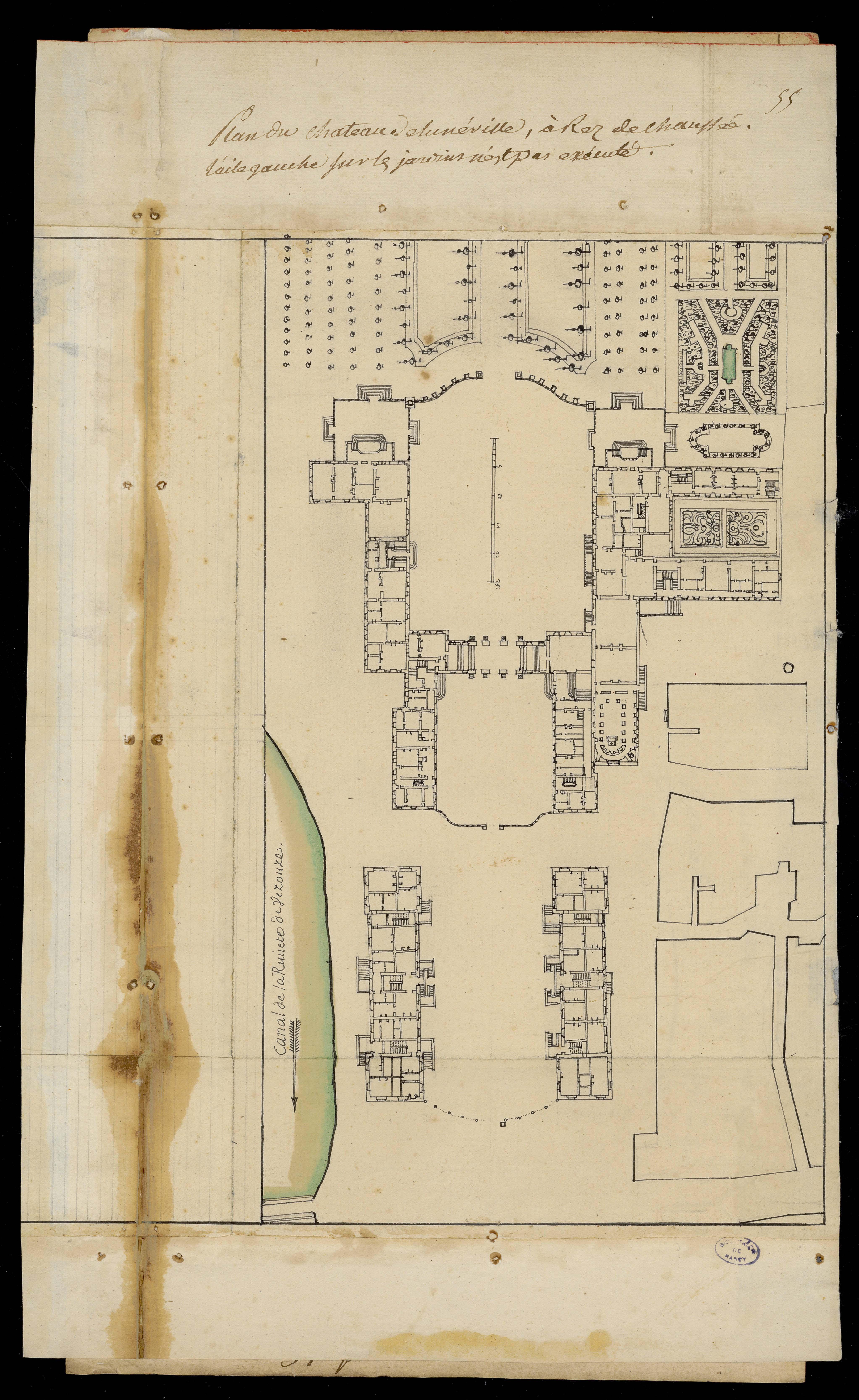 Contenu du Plan du château de Lunéville, à rez de chaussée. L'aile gauche sur les jardins n'est pas exécutée