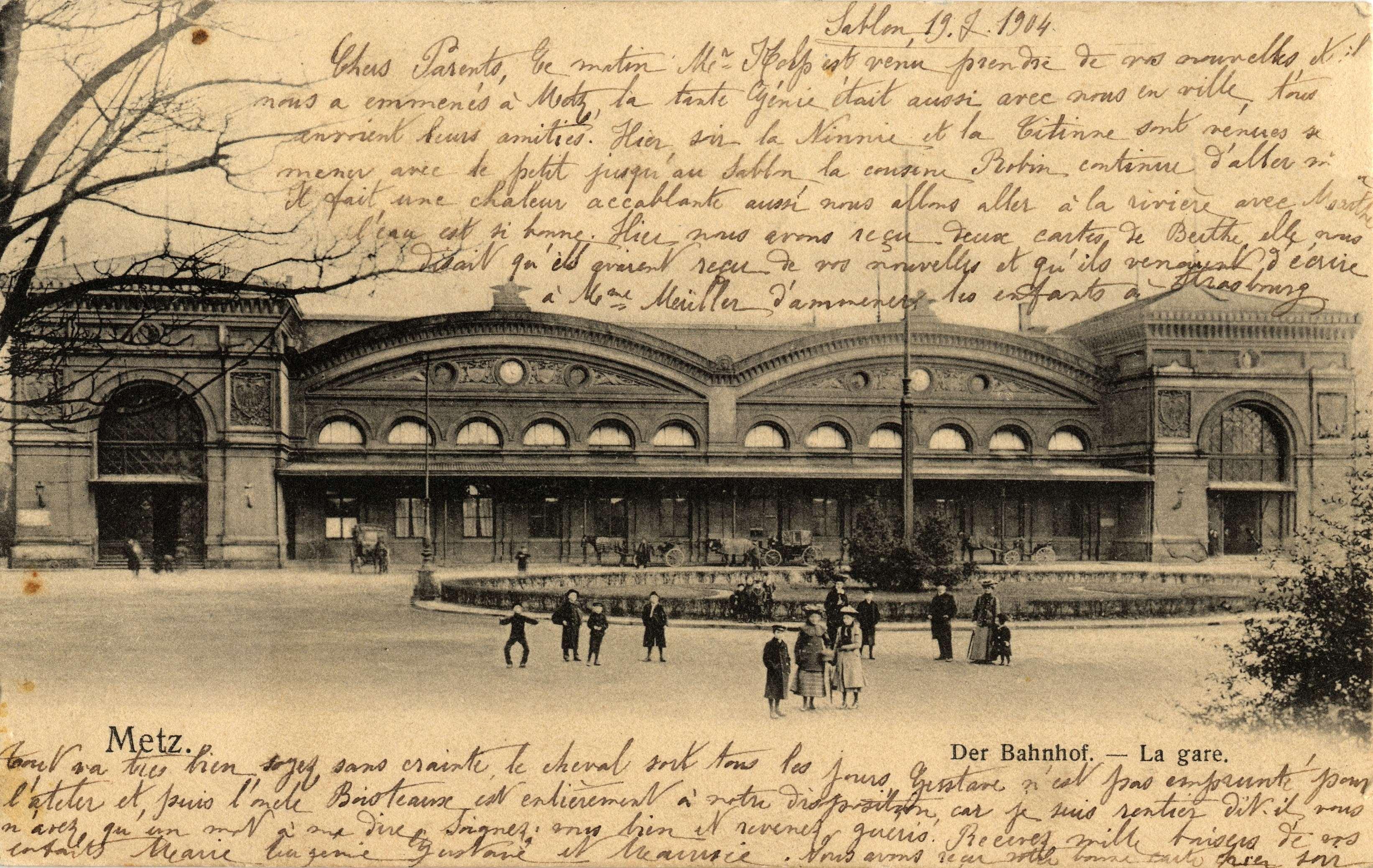Contenu du Metz. Der Bahnhof. La Gare