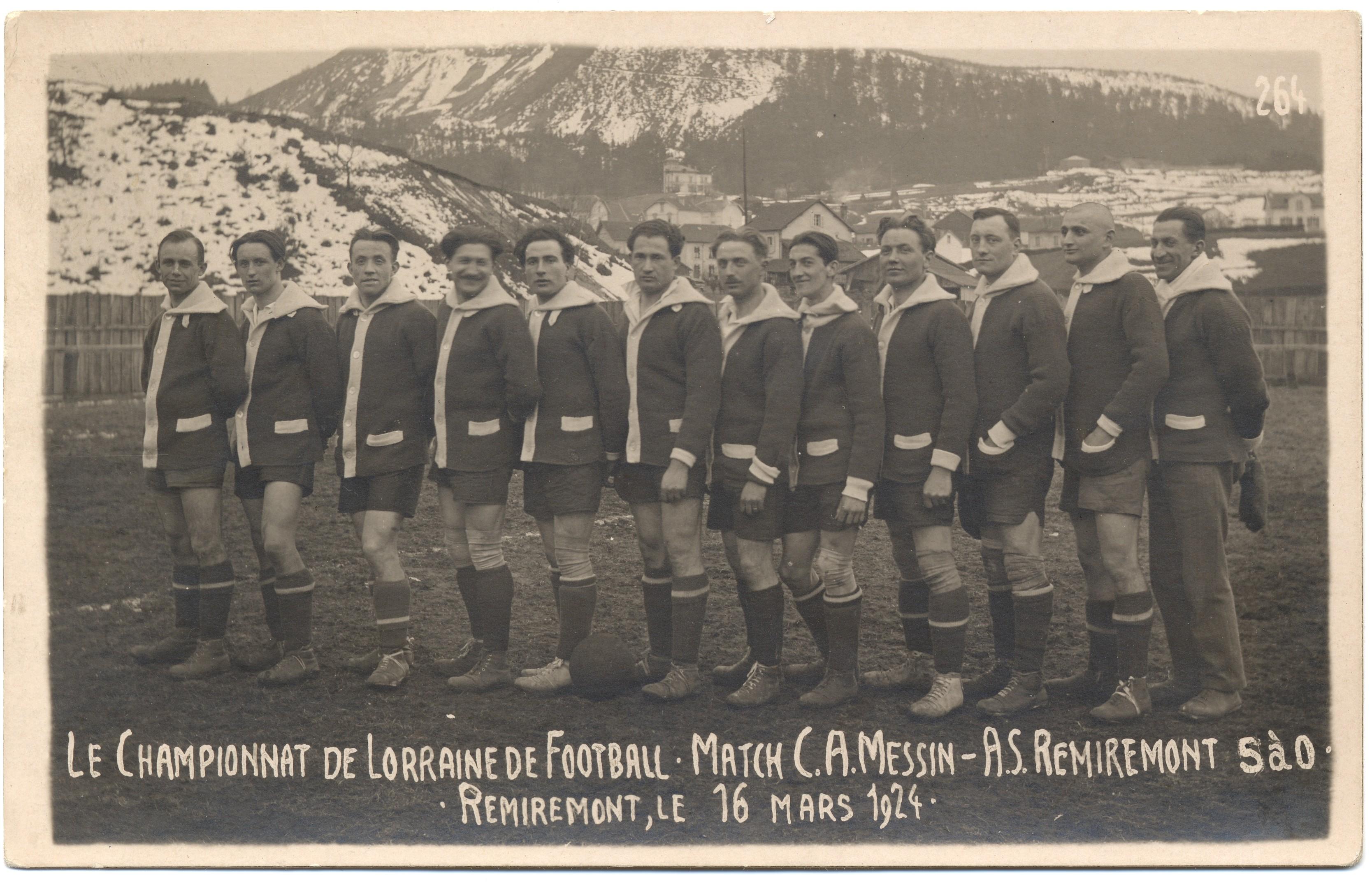 Contenu du Le championnat de Lorraine de Football. Match C.A. Messin - AS Remiremont 5 à 0. Remiremont le 16 mars 1924