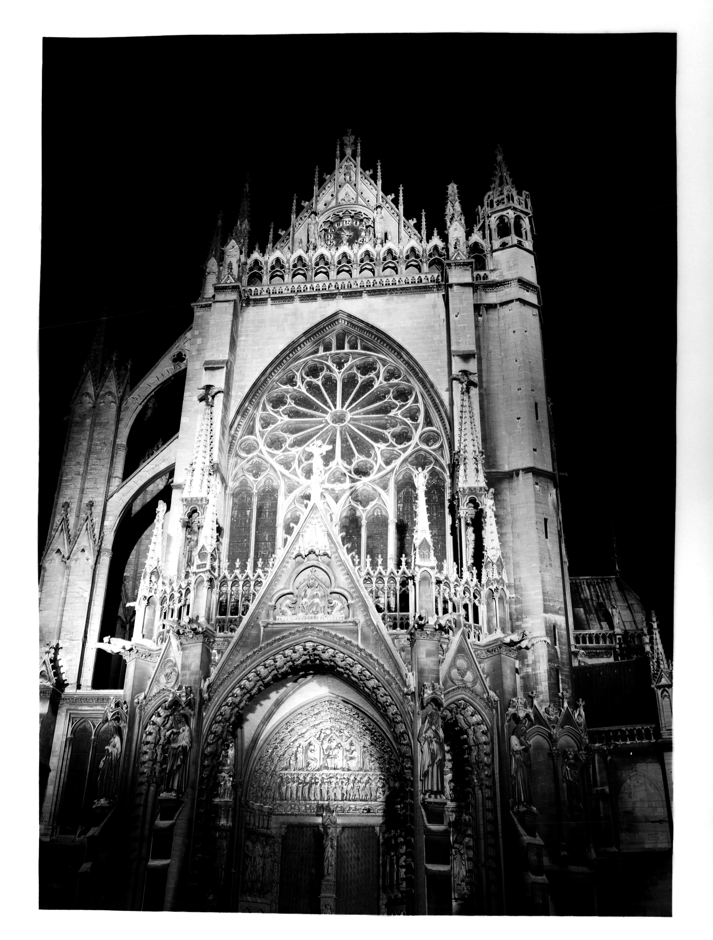 Contenu du [La Cathédrale Saint-Étienne de Metz de nuit]