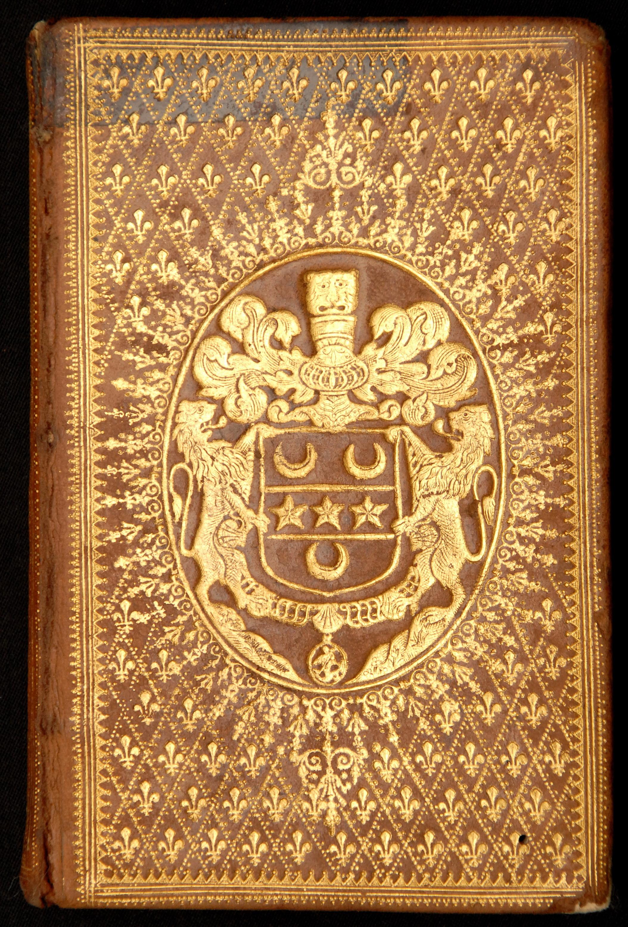 Contenu du Reliure à semé de fleurs de lys aux armes de Robert-Jean-Antoine Franquetot, comte de Coigny