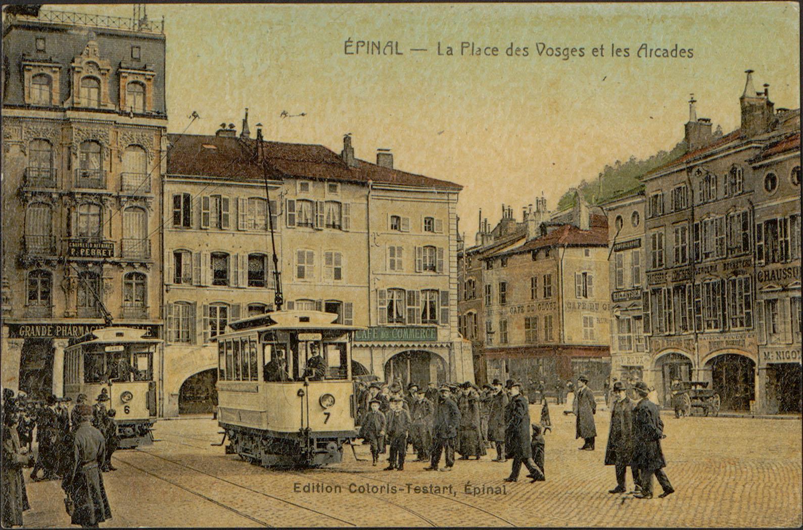 Contenu du Épinal, La Place des Vosges et les Arcades