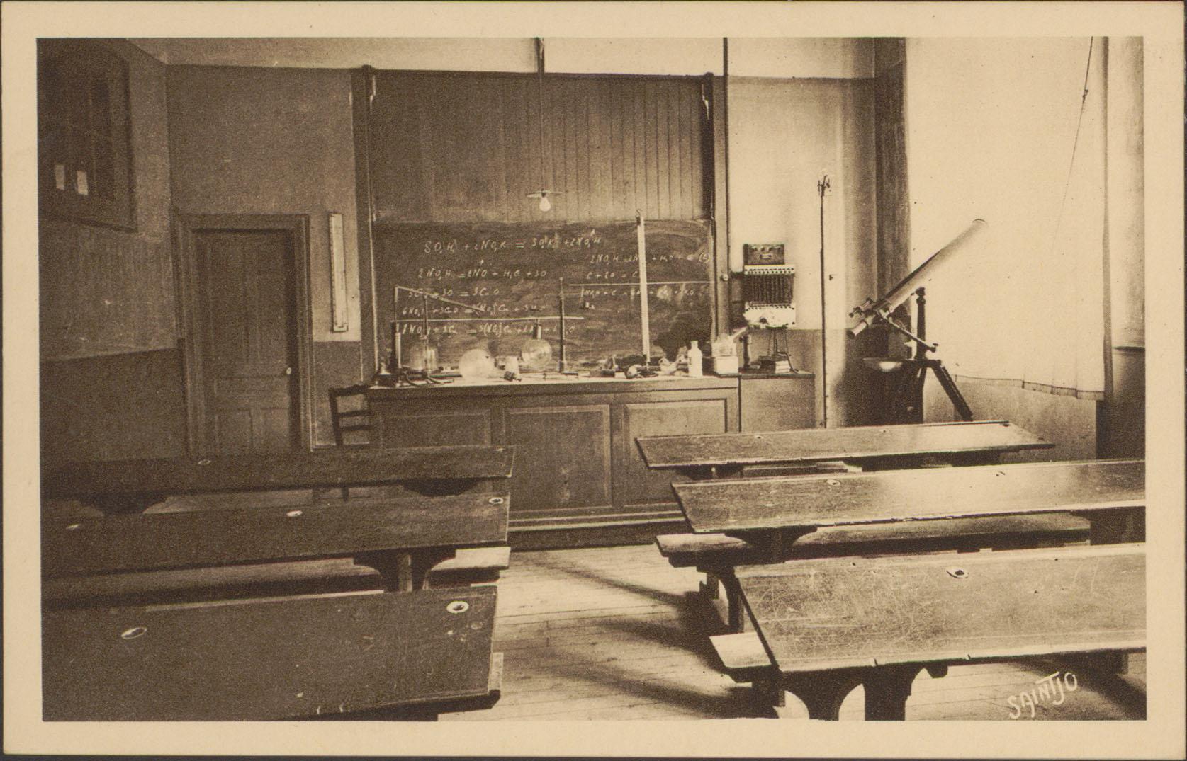 Contenu du [Épinal, Institution St-Joseph, Classe de Physique-Chimie]