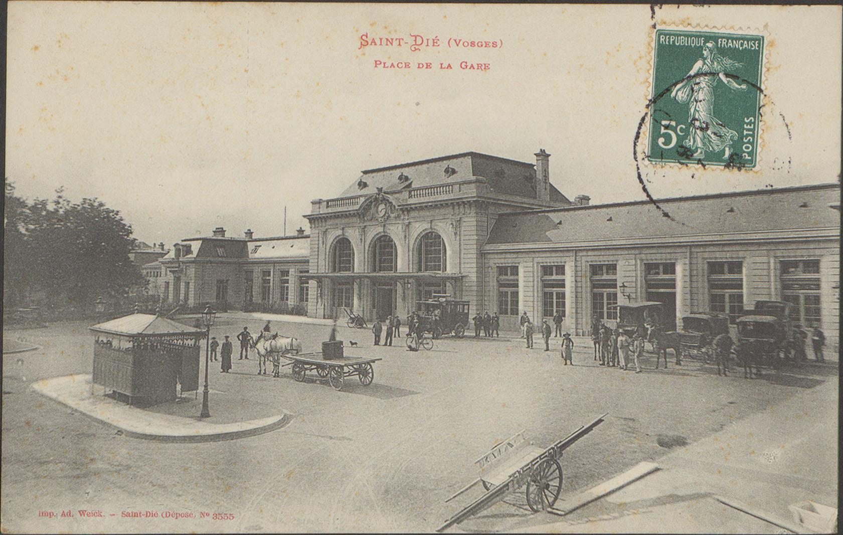Contenu du Saint-Dié (Vosges), Place de la gare