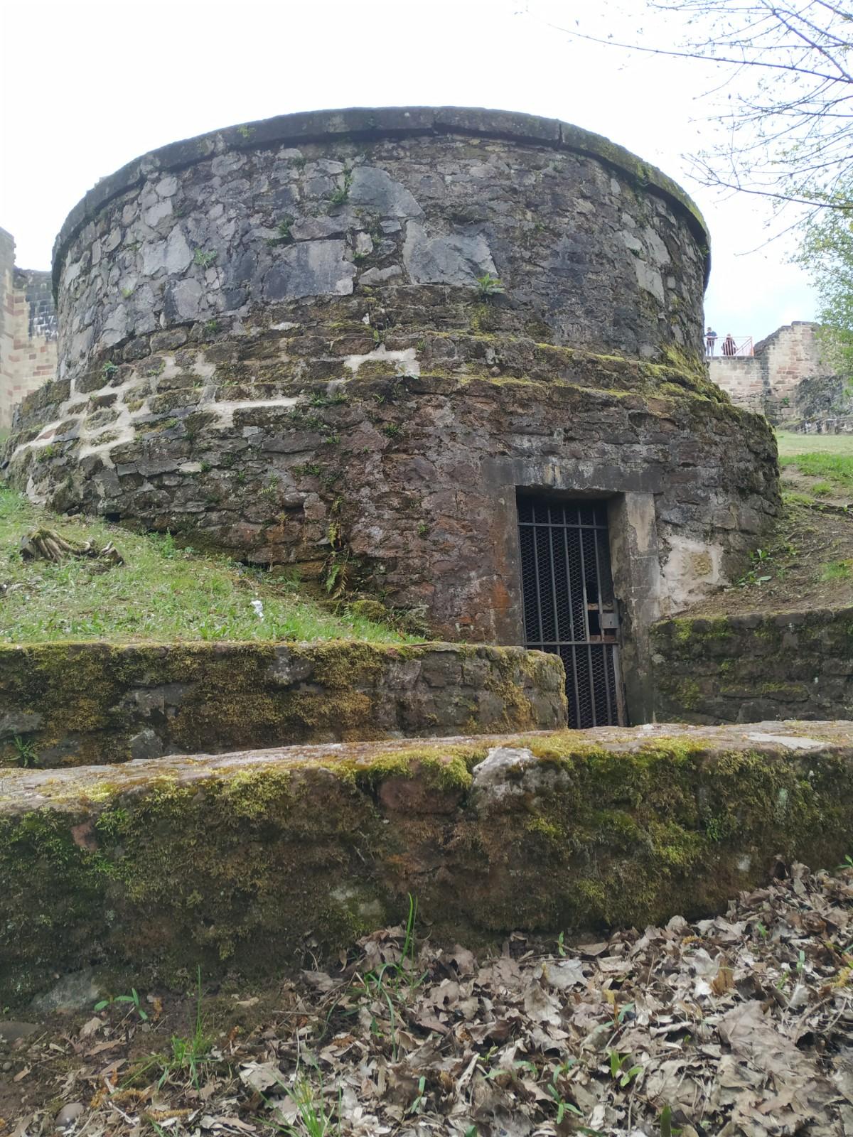 Contenu du La glacière du château d'Épinal