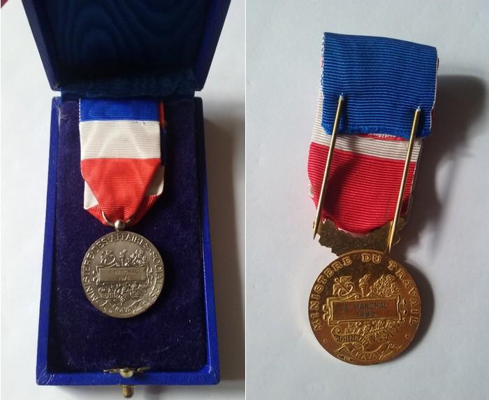 Contenu du Médailles du mérite d'André Marchal : d'argent (1973) et d'or (1989)