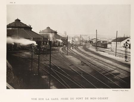 Vue sur la gare, prise du pont de Mont-Désert