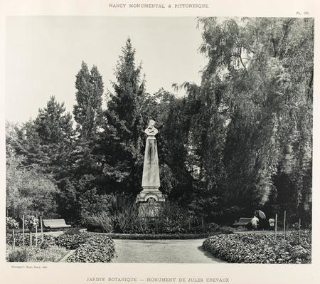 Jardin botanique : monument de Jules Crevaux