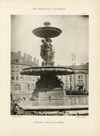 Fontaine, place de la comédie