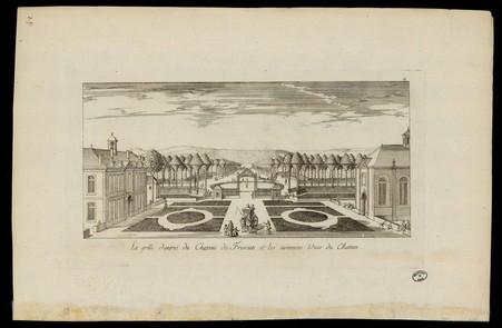 La grille d'entrée du Château de Frescati et les avenues vues du Château