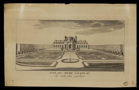 Vue du même château du coté des jardins Château du prince Charles à Lunévi…
