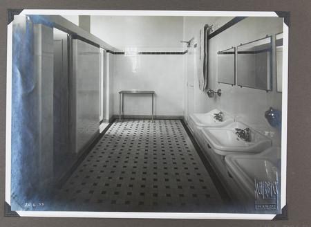 Toilettes après les travaux des années 30
