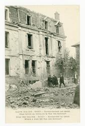 Nancy : bombardement par canon. Obus tombé au milieu de la rue des Goncour…