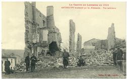 Anthelupt bombardé par les Allemands : vue intérieure. La Guerre en Lorrai…