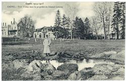 Crévic. Trou d'obus dans la propriété du Général Lyautey, Guerre 1914-1915