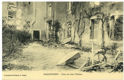 Haraucourt. Cour du vieux Château