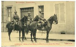 Lunéville. Officier et Sous-Officiers d'artillerie bavaroise passant Rue d…
