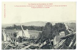 La Ferme de Léomont bombardée par les Allemands : à l'arrière-plan, la Fer…