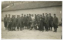 Photographie d'un groupe de soldats