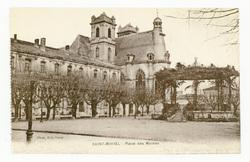 Saint-Mihiel : Place des Moines