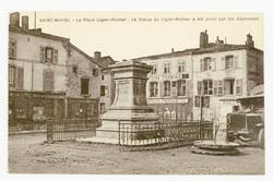 Saint-Mihiel : la Place Ligier-Richier, la Statue de Ligier-Richier a été …