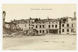 Saint-Mihiel : place des Halles