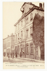 St-Mihiel (Meuse) : l'Hôtel de Ville (ph. 1918)  M. D.. The Town-hall