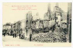 Raon-l'Étape (Vosges) incendié volontairement par les Allemands. Rue Jules…
