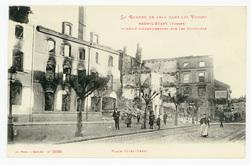 Raon-l'Étape (Vosges) incendié volontairement par les Allemands. Place Jul…