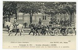 Convoi de ravitaillement allemand passant place du Palais-de-Justice, le 1…