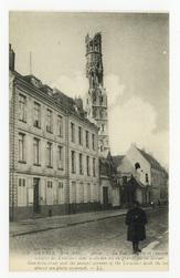 Arras. La rue Gambeta et l'ancien couvent des Ursulines dont le clocher es…