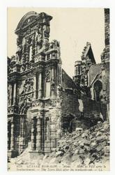 Arras. Hôtel de Ville après le bombardement. The Town-Hall after the bomba…