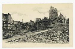 Arras. L'Hôtel de Ville et la Place. Ce qu'il en reste. The Town-Hall and …