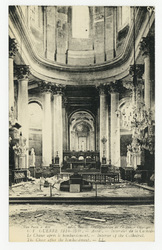 Arras. Intérieur de la Cathédrale. Le Chœur après le bombardement. Interio…