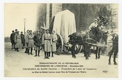Glorification du Soldat Inconnu : transfert du Cœur de Gambetta. Le Char d…