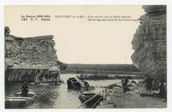 Trilport (S.-et-M.) : pont détruit par le Génie français. The bridge destr…