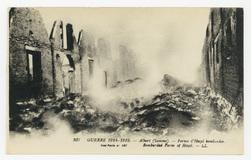 Albert (Somme). Ferme d'Hozel bombardée. Bombarded Farm of Hozel. Guerre 1…