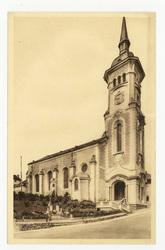 Monument aux morts et l'Église