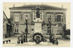 Jouy-sous-les-Côtes (Meuse). Monument commémoratif inauguré le 13 Août 1922