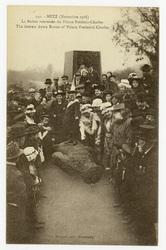 Metz (Novembre 1918) : la Statue renversée du Prince Frédéric-Charles. The…