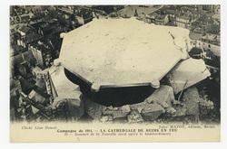Sommet de la Tourelle nord après le bombardement. Campagne de 1914 : la Ca…
