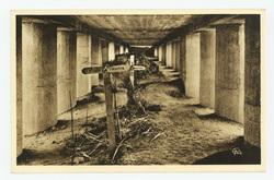 Monument de la Tranchée des Baïonnettes : vue intérieure. Là reposent les …