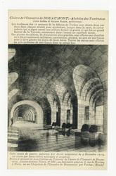 Cloître de l'Ossuaire de Douaumont : alvéoles des Tombeaux. Les tombeaux d…