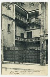 Nancy. Cour de l'Hôtel d'Haussonville ou des Armoises (1445)