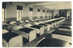 Un dortoir : institution Saint-Joseph, Nancy