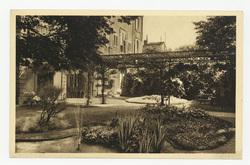 Nancy. Jardin de la pension Bonsecours