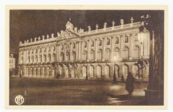 Nancy : l'Hôtel de Ville éclairé par projecteurs