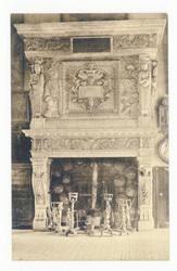 Cheminée de l'ancien Auditoire de Joinville, Hte-Marne (XVIIe siècle). Sou…