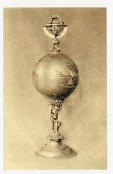 Hanap en argent doré (XVIIe siècle). Offert en 1663 par le duc Charles IV …