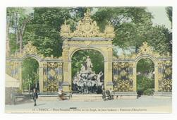 Nancy : place Stanislas, grilles en fer forgé, de Jean Lamour, fontaine d'…